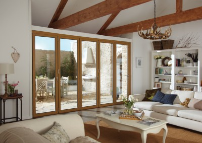 Bifold doors in Oak - Interior