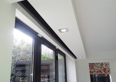 Remote controlled pocket blinds