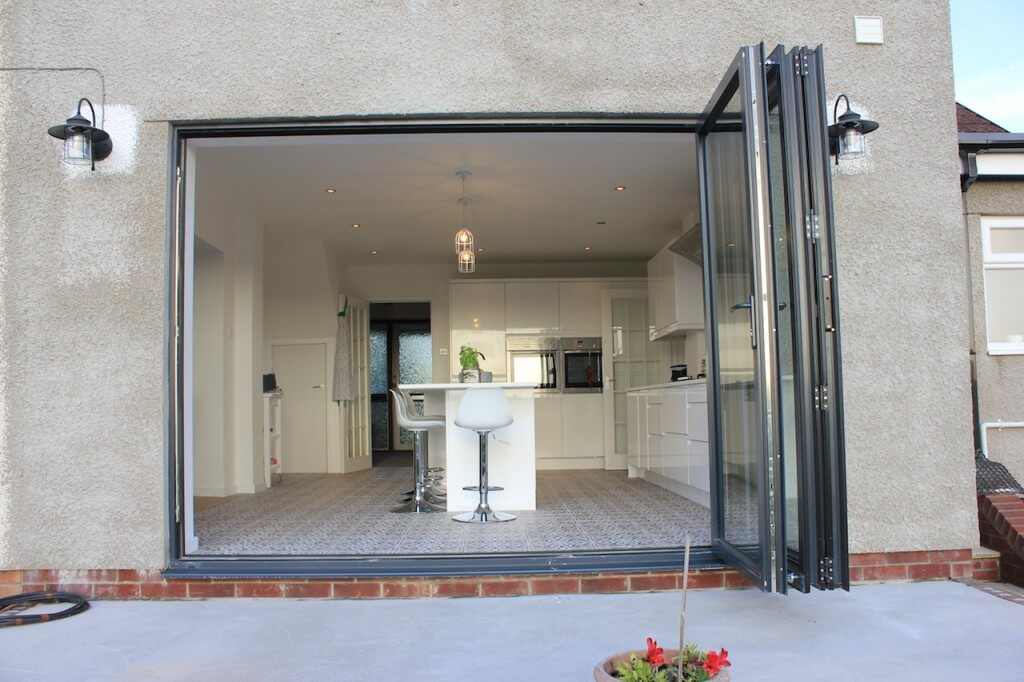 Aluminium Bi Folding Doors | Cardiff | Bi-Folds | Welsh Bifolds ...