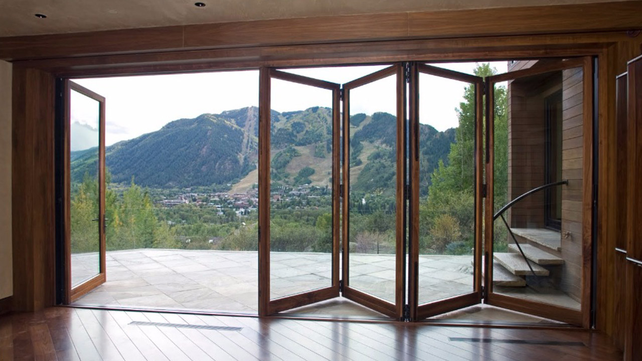Bi-folding doors measuring example