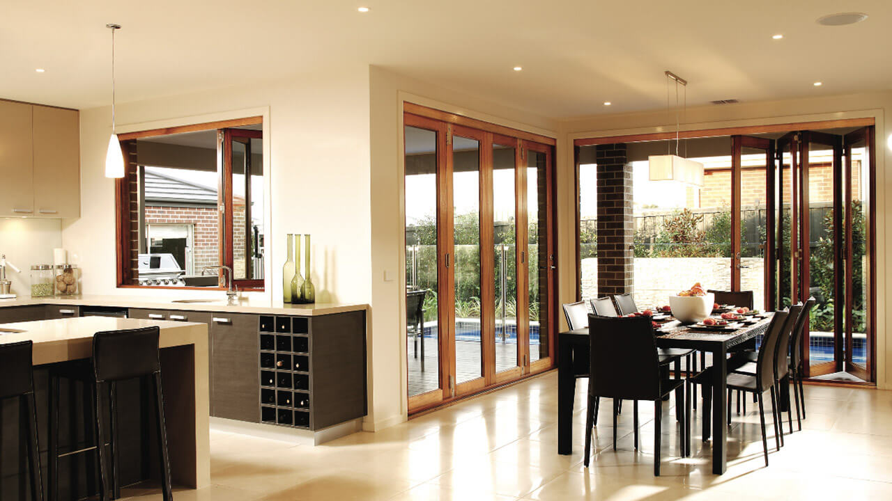 Easy-to-maintain bi-folding doors